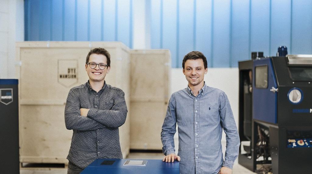 Felix Ewald (left),CEO & Co-Founder, and Philipp Kramer, CTO & Co-Founder [Image: DyeMansion]