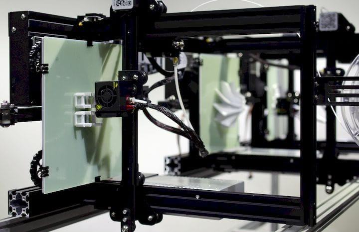 3DQue: The Correct Way For Low-Volume 3D Print Production?