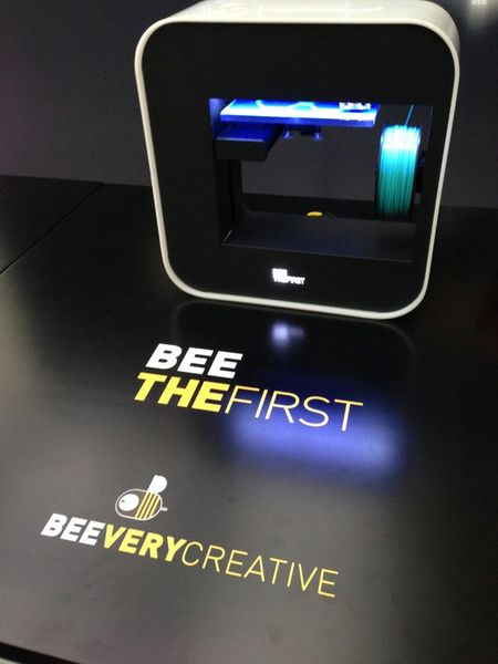 Bee The First – A Portable 3D Printer
