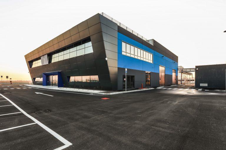 Behind the Scenes GE's 3D Metal Printing Farm