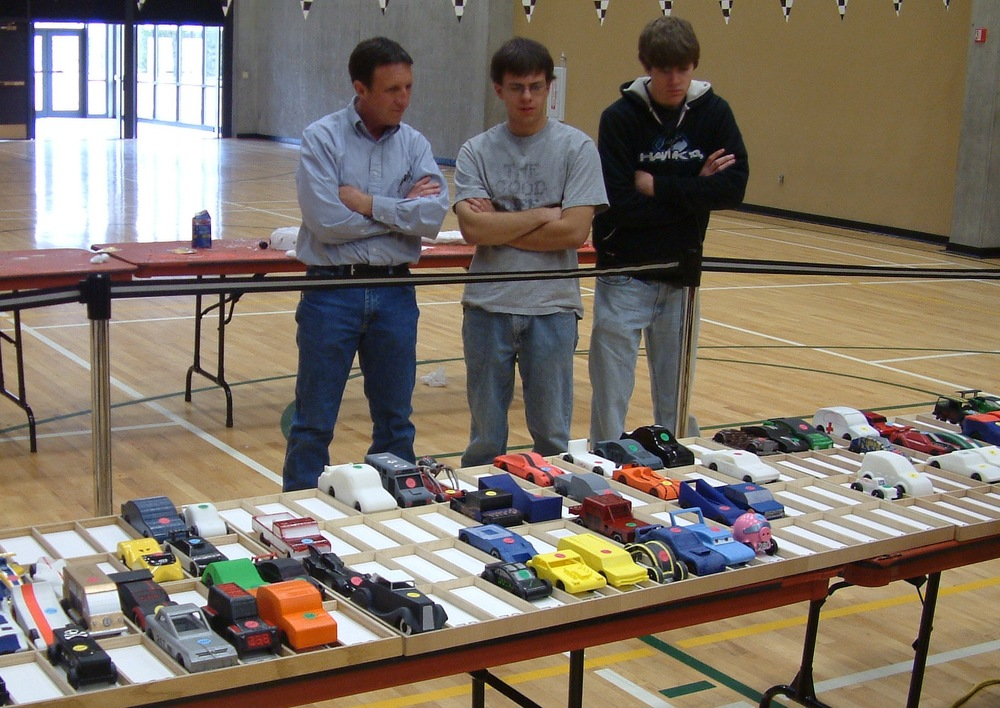 Students Race 3D Printed Cars