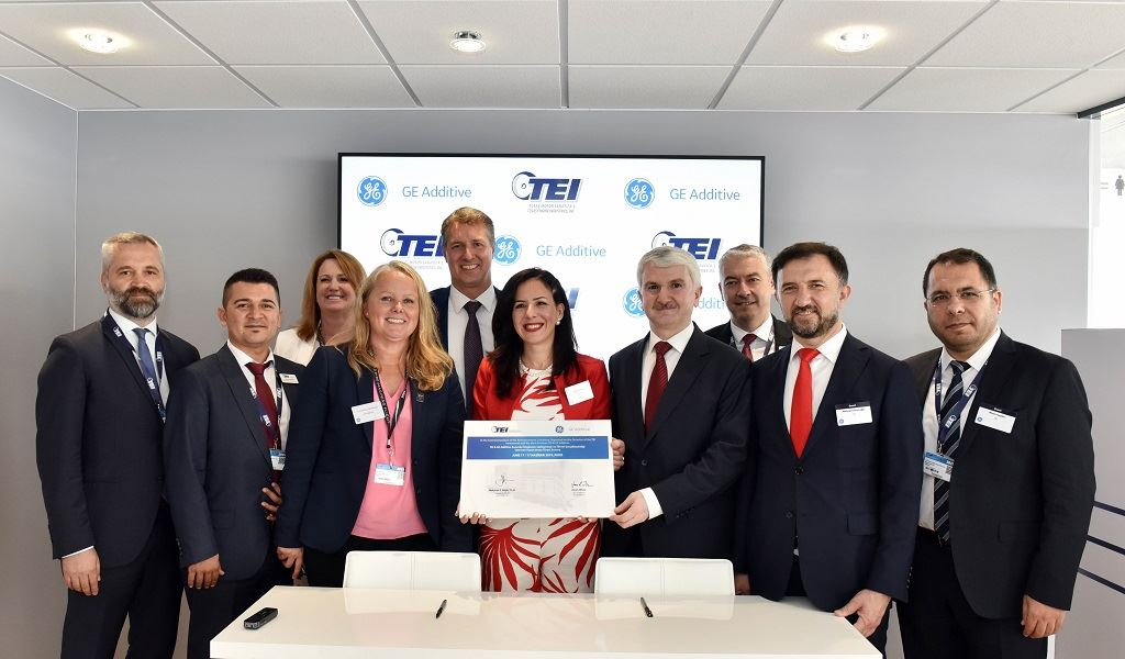 GE Additive and TEI signing ceremony - Paris Air Show - 17 June 2019 [Image: GE Additive]