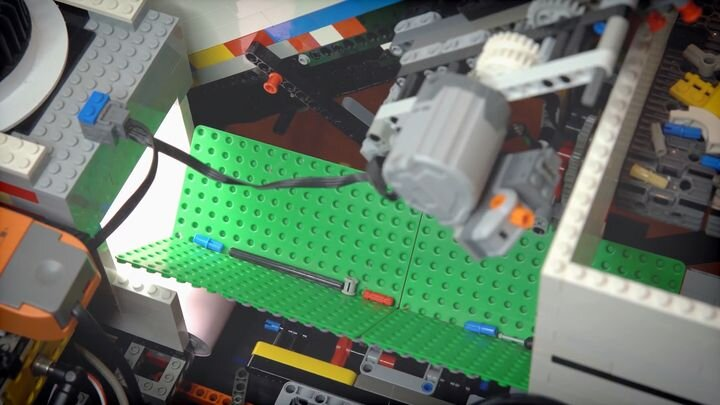 Behold The World's First Universal LEGO Sorting Machine