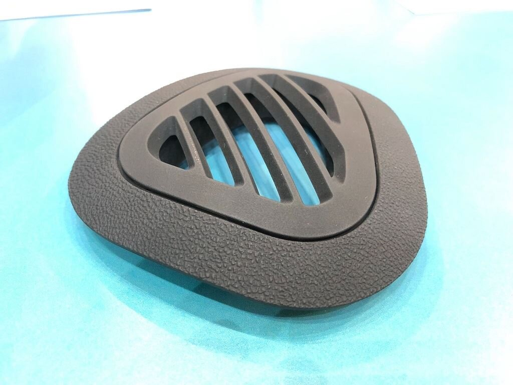 3D printed automotive dashboard vent, with digital production patterning, made in PRO-BLK 10 as seen at TCT Show [Image: Fabbaloo]