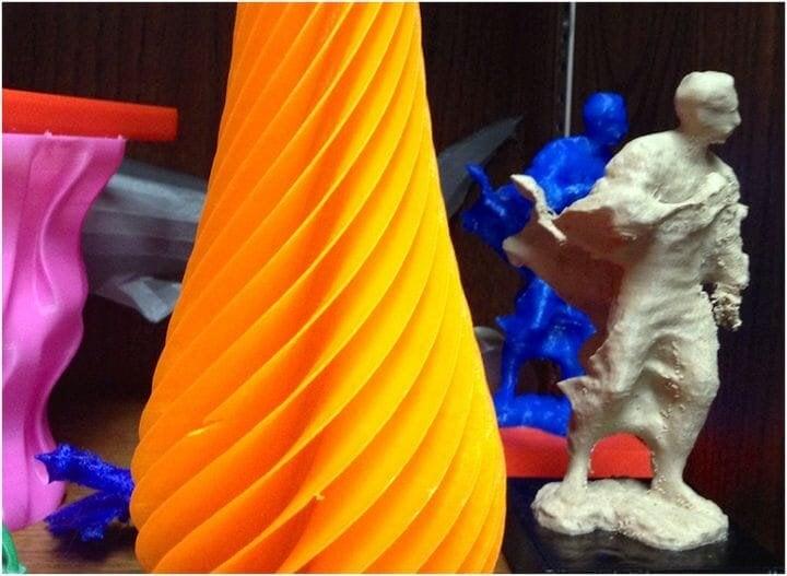3D printed vase and sculpture [Source: Flickr]