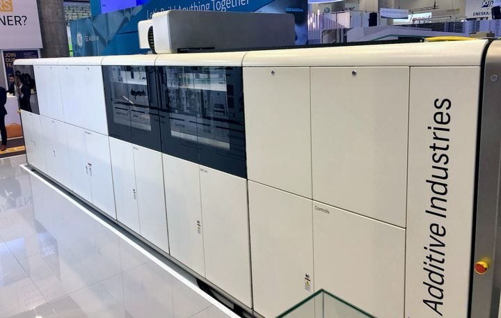 Larger configuration of Additive Industries' MetalFAB1 metal 3D printer [Source: Fabbalop]
