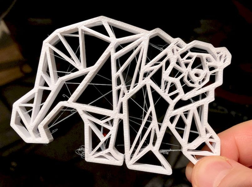 """Pro Tip: An Easy Way To Remove """"Stringies"""" From Your 3D Print"""