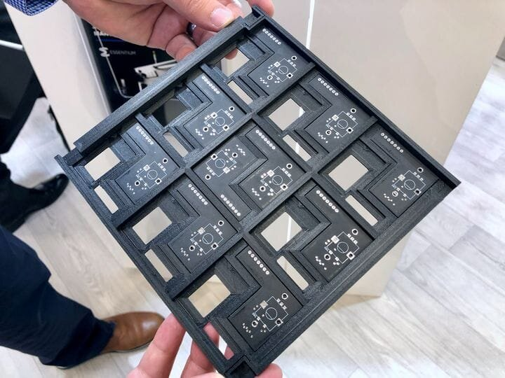 Electronic component tray application by ESSENTIUM [Source: Fabbaloo]