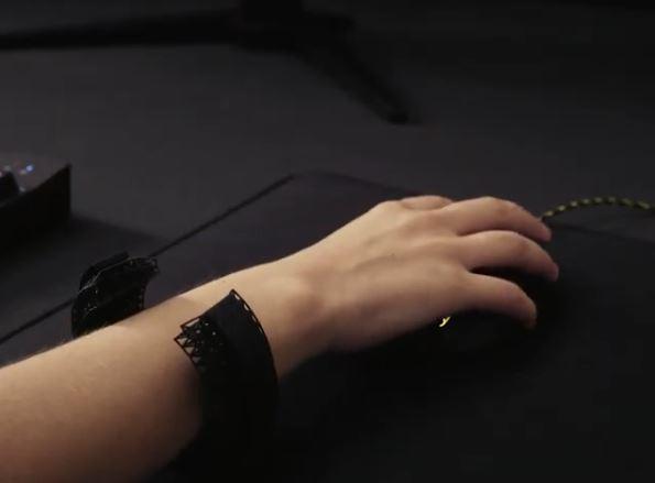 The biometric wrist support [Image UNYQ via YouTube]