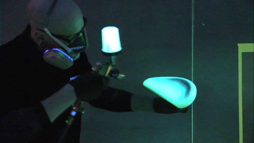 This Electroluminescent Paint Lights Up When You Pass A Current Through It
