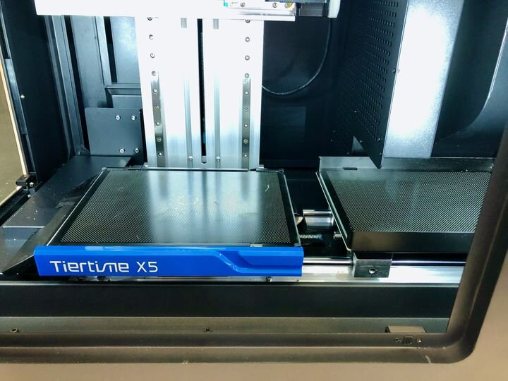 Tiertime's X5 3D printer with automatically swapping build plates [Source: Fabbaloo]