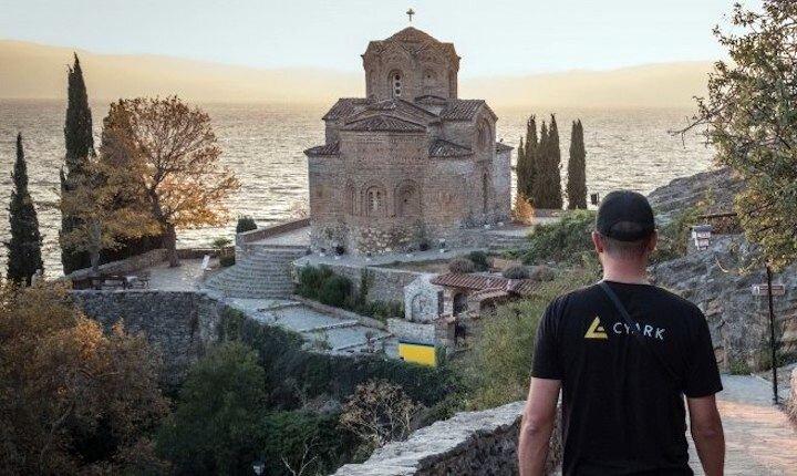 Browsing Through Open Heritage 3D