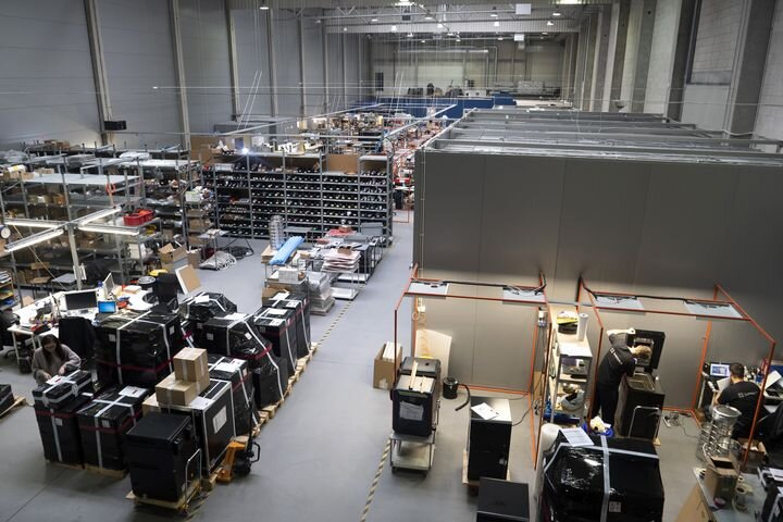 Wide angle view of Sinterit's new massive production facility [Source: Sinterit]