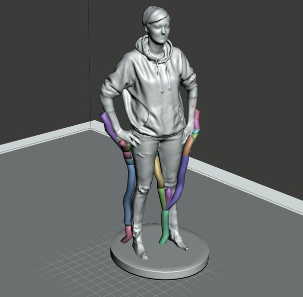 Adding automatic tree supports to figurine using Meshmixer [Source: Fabbaloo]
