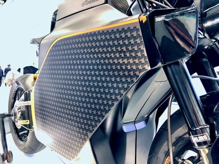 Saroléa's Superbike Powered By Electricity and Polymaker