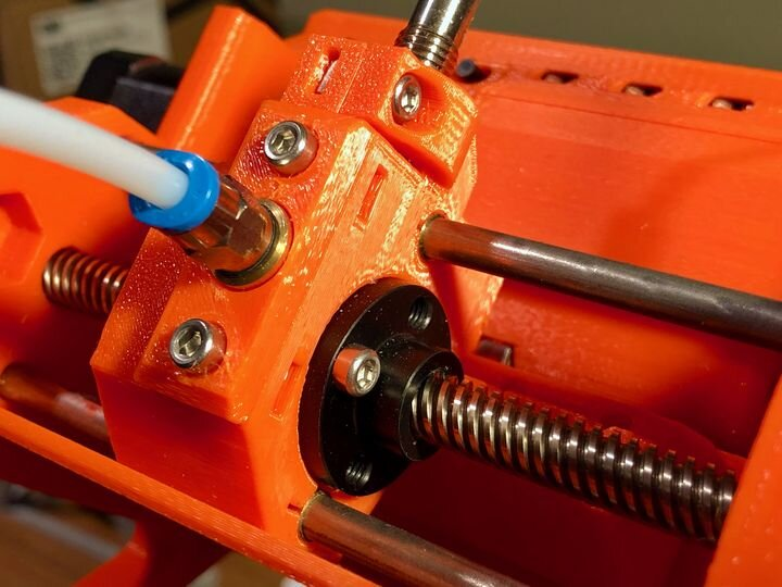 We review the Prusa MMU2S multi-material upgrade [Source: Fabbaloo]