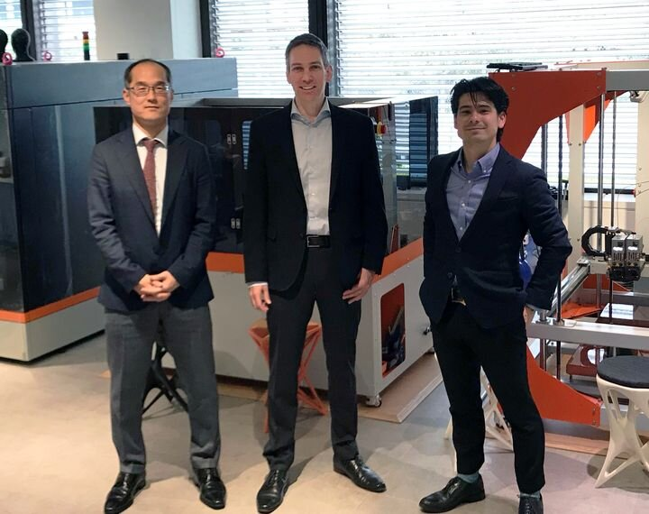 Executives from PostProcess Technologies and C. Illies celebrate expansion to Japan [Source: Post Process Technologies]