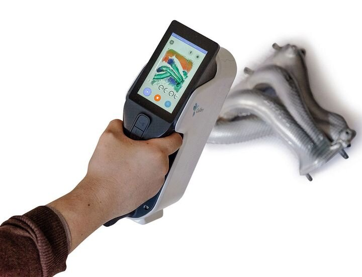 The Calibry Handheld 3D Scanner's onboard screen [Source: Calibry]