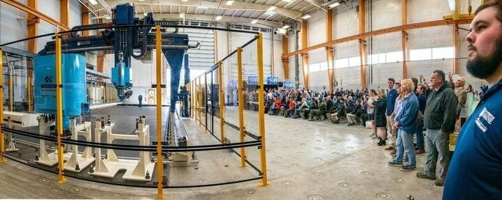Enormous 3D printer able to produce a complete boat [Source: SolidSmack]