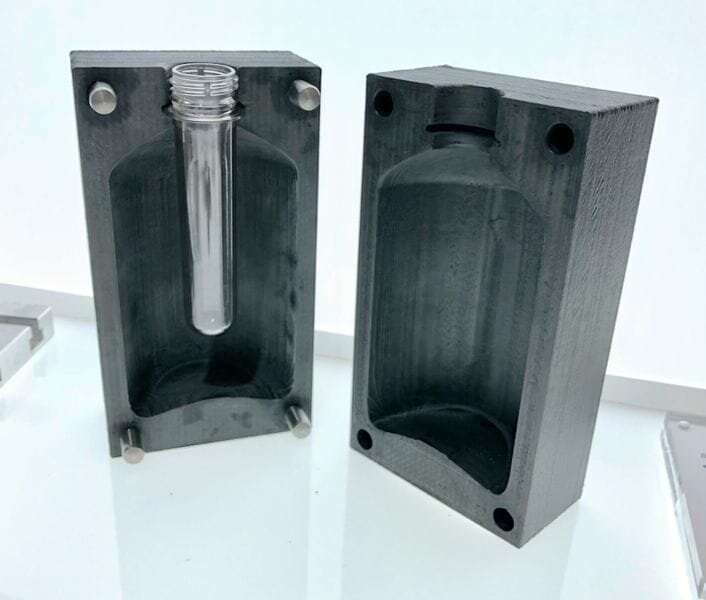 Blow mold application made by ESSENTIUM [Source: Fabbaloo]