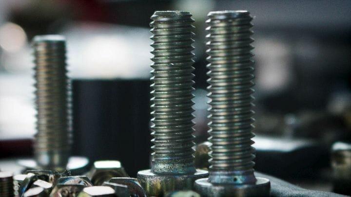 Threaded screws [Source: SolidSmack]