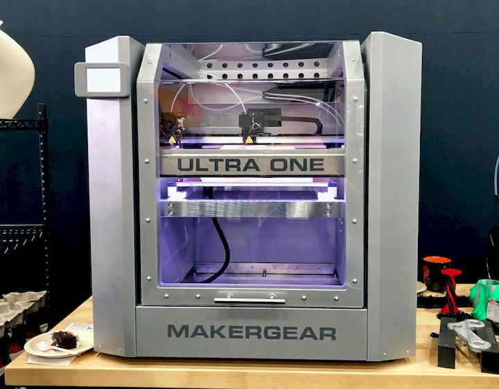 The MakerGear Ultra One 3D Printer [Source: Fabbaloo]