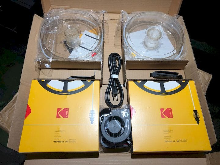 , Hands On With The Kodak Portrait 3D Printer: Unboxing And Setup