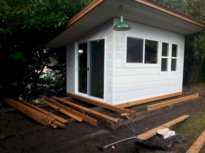 Building a DIY backyard workshop [Source: SolidSmack]