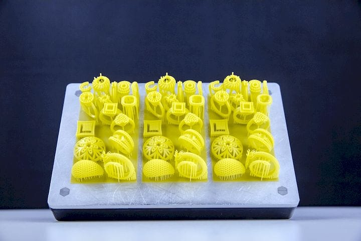 Full plate of high resolution 3D prints from the Slash 2 [Source: Uniz]