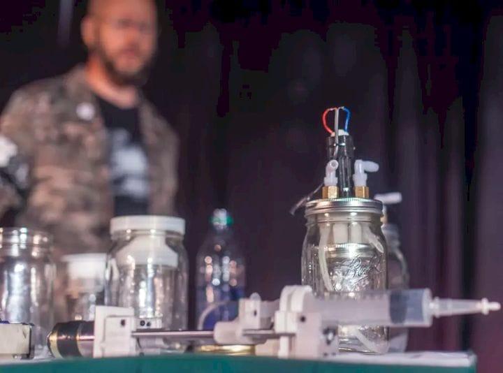 """Biohackers"" Design DIY 3D-Printed Chemical Reactor to Make Medicine at Home"