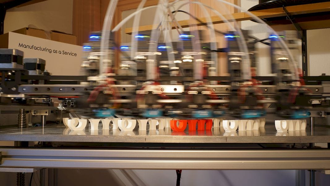 The Bombyx Prod 3D print service uses many-headed 3D printers