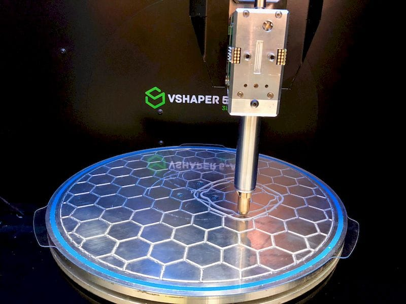 The print plate pn VSHAPER's tilting 5-axis 3D printer - but not in tilted mode