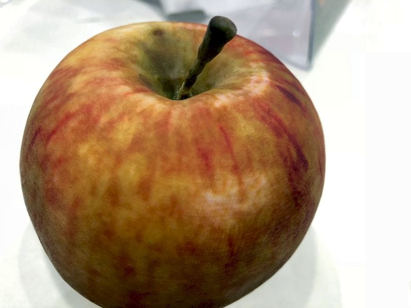 An incredibly realistic 3D printed apple. Would fool almost anyone!