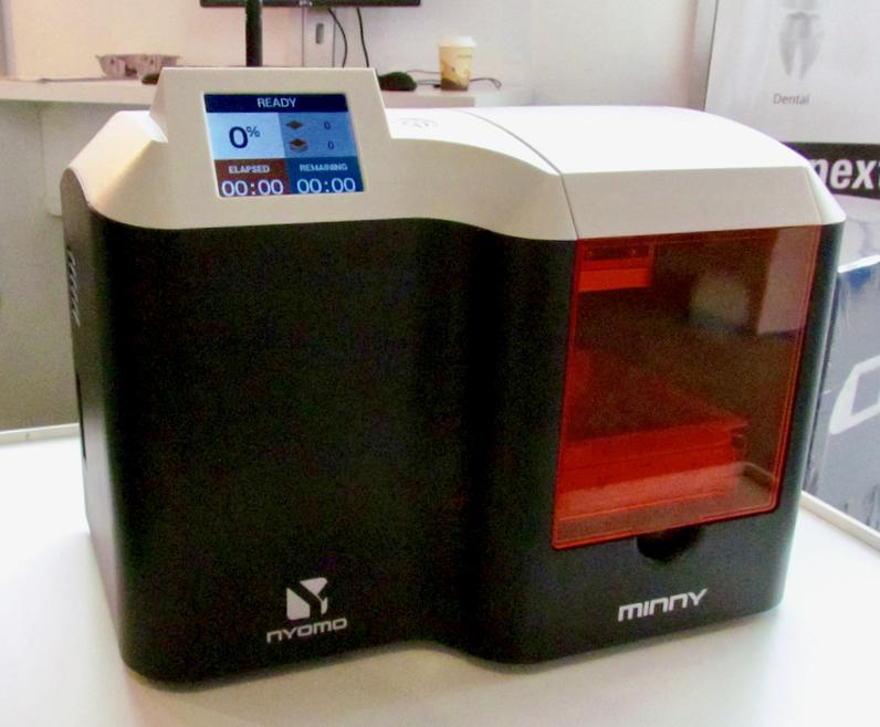 The Nyomo Minny resin-based desktop 3D printer