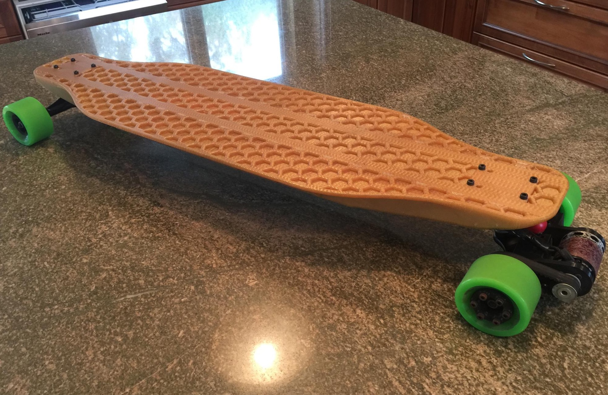 3D Printed Longboard Illustrates the Best and Worst of 3D Printing