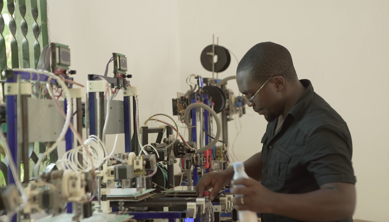 , Reflow: Recycled 3D Printer Filament System That Works