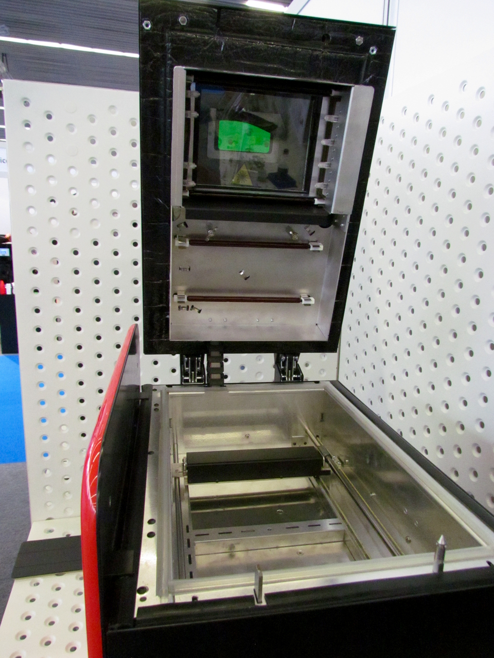 Inside the Sinterit Lisa desktop SLS 3D printer