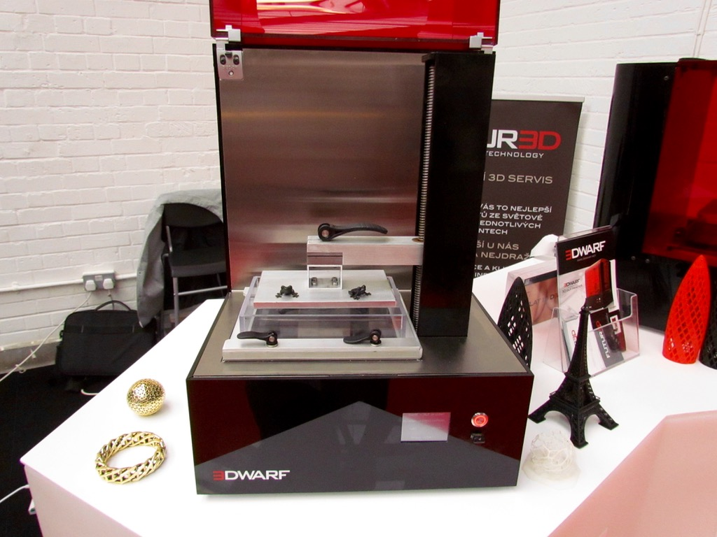 Futur3D's Precision DLP 3D Printer