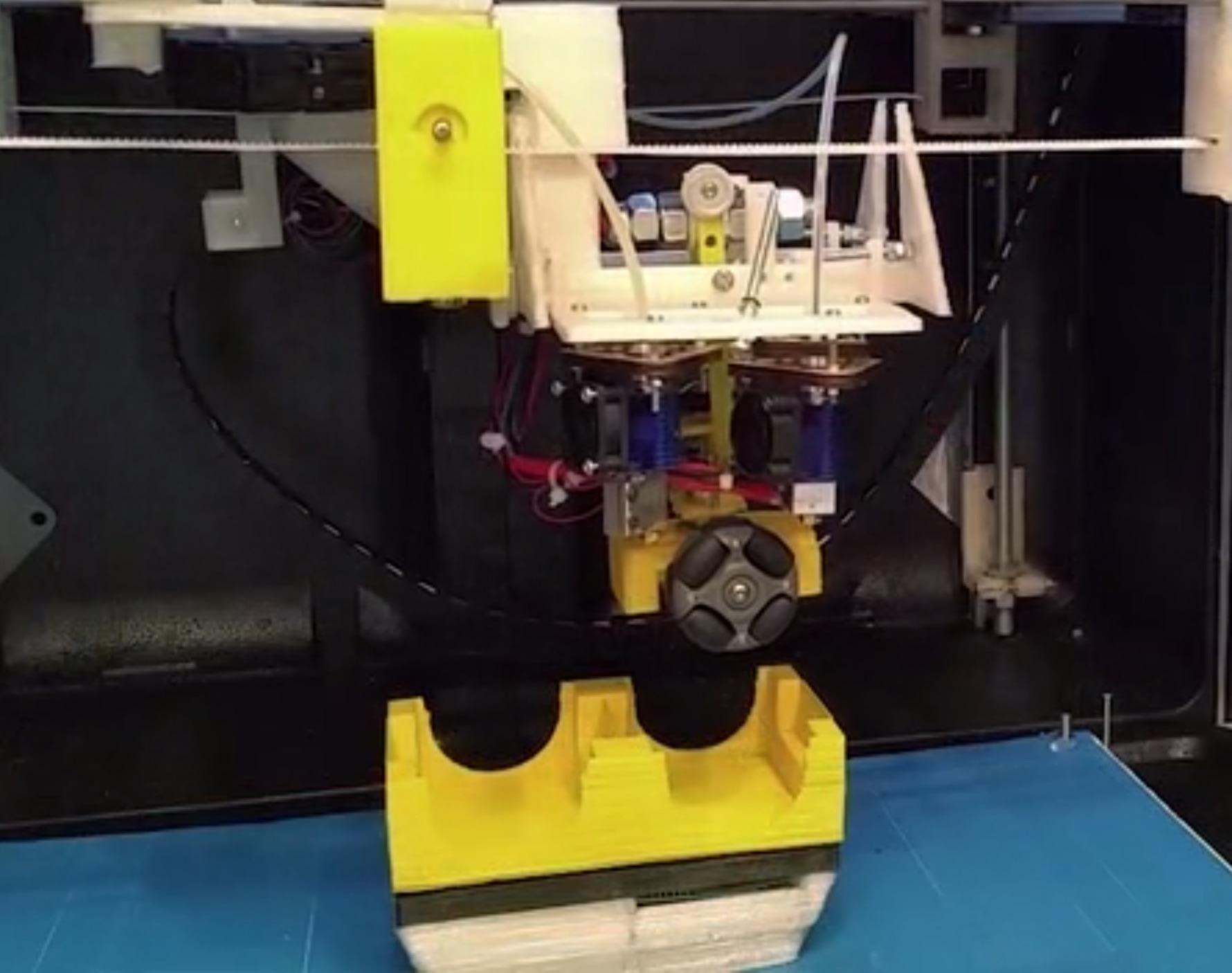 """The IR3 """"Assembling"""" 3D Printer"""