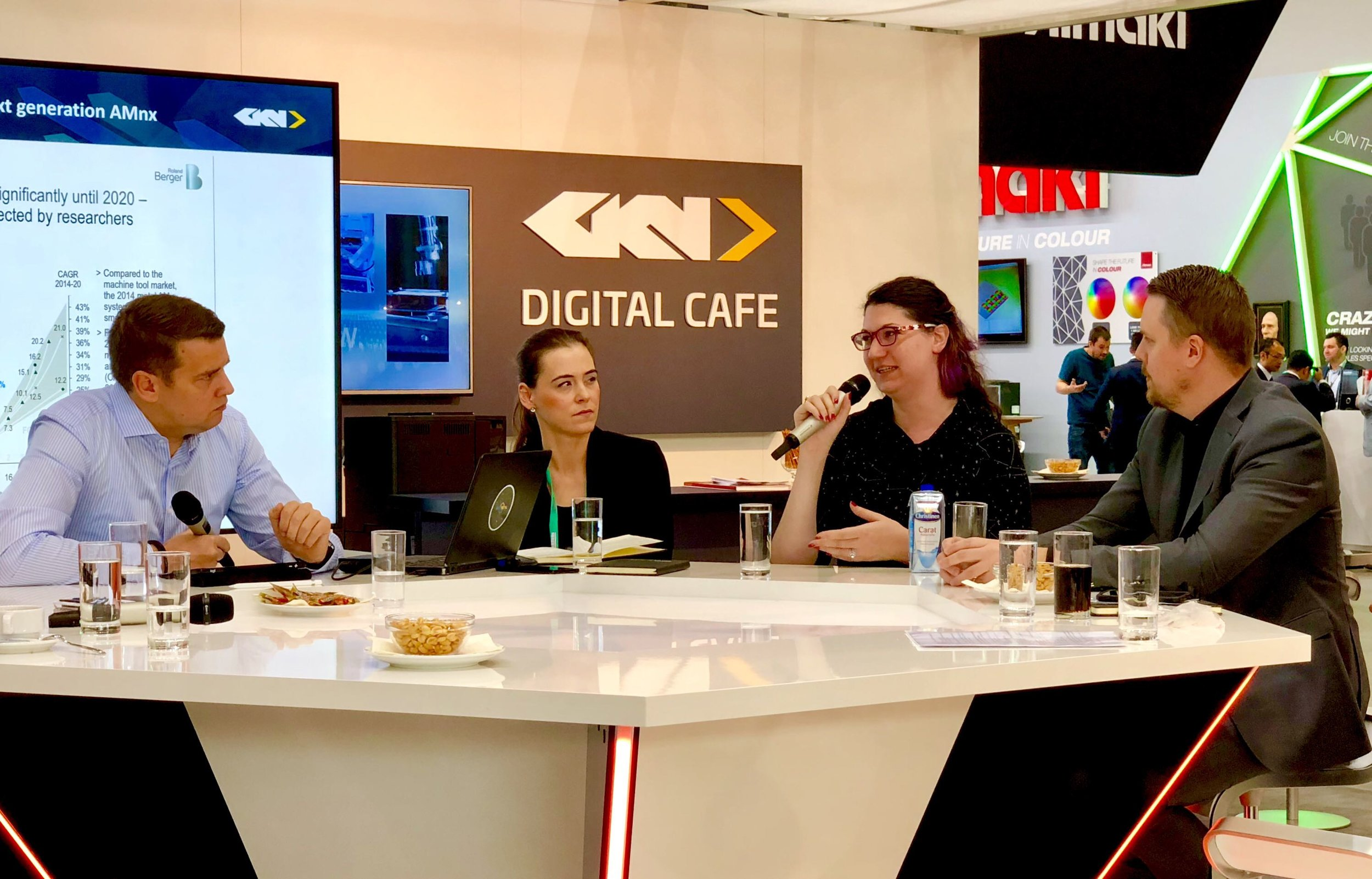 Speaking on issues of digitization in manufacturing with GKN [Image: Fabbaloo]