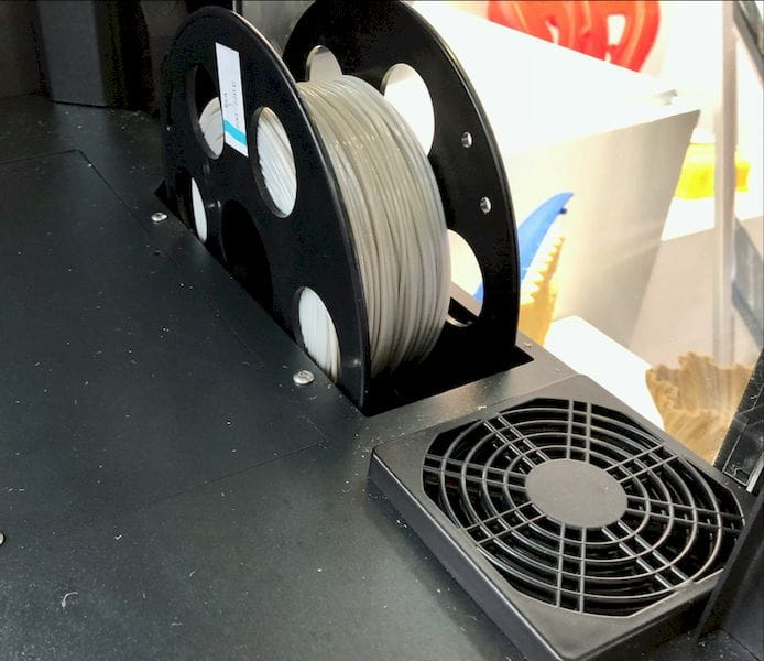 The Hercules Strong 3D printer stores filament spools inside the build chamber [Source: Fabbaloo]