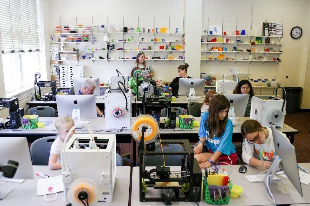 #MakerGirlGoesMobile2019 included a 3D printing workshop at the JMU 3SPACE in Harrisonburg, Virginia [Image: JMU Innovation Services]
