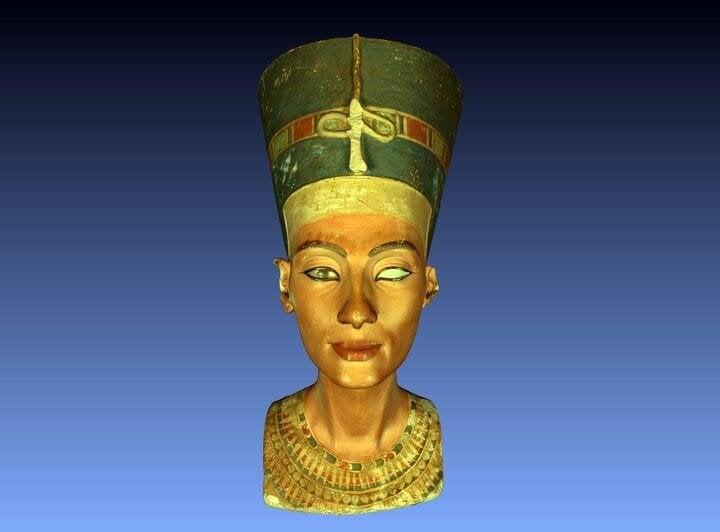 Nefertiti Is Free!