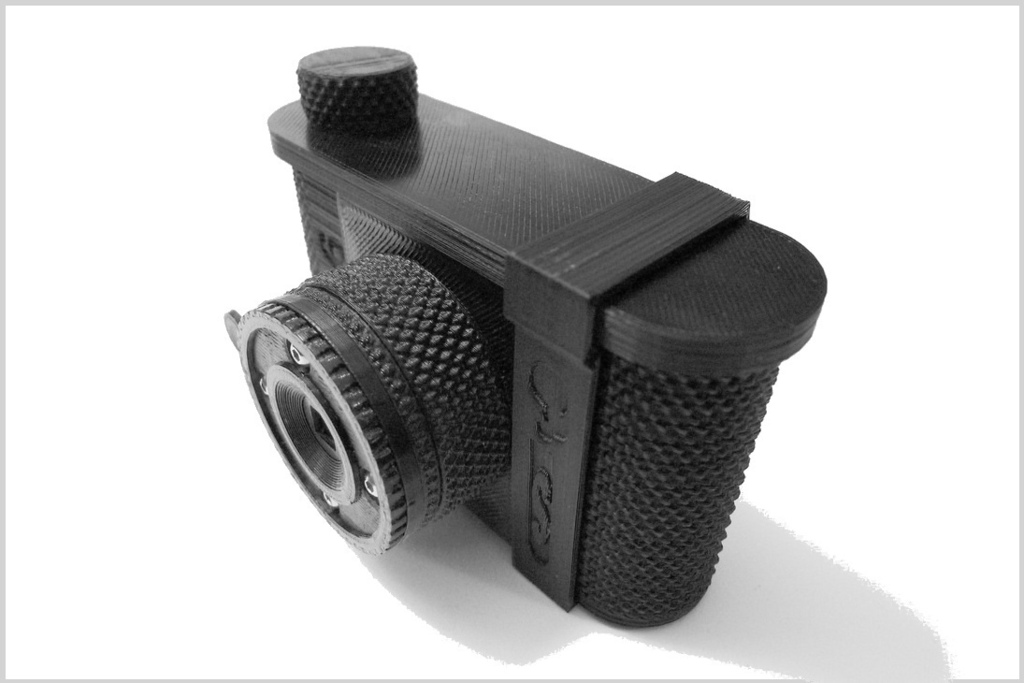 Design of the Week: P6*6 120 Pinhole Camera