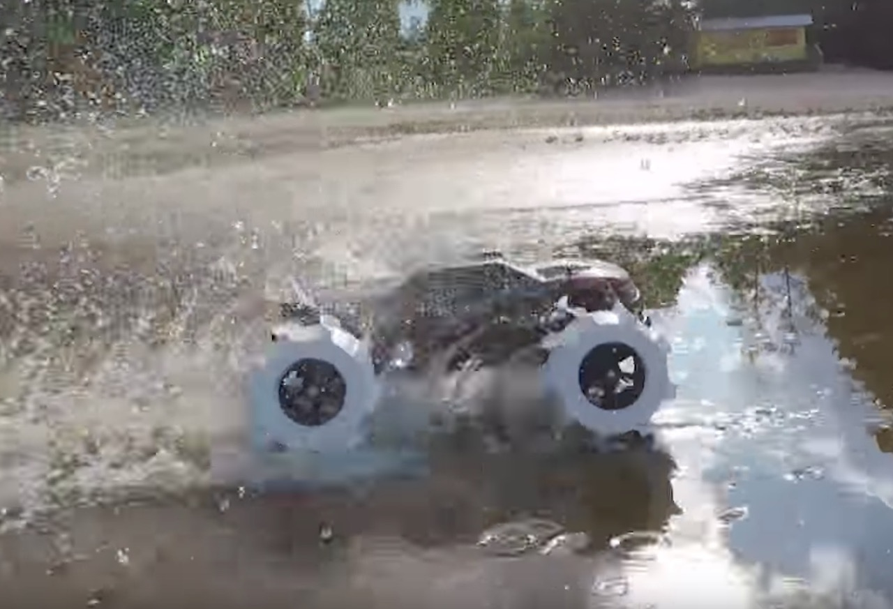 3D Printed Tires Run Over Water!