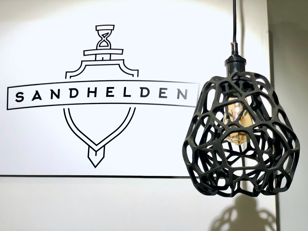 3D printed lamp made from specially-processed sand by Sandhelden [Source: Fabbaloo]