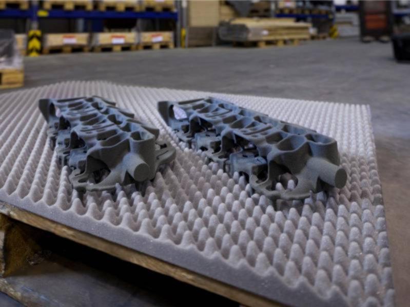 3D printed water jacket cores [Image: voxeljet]