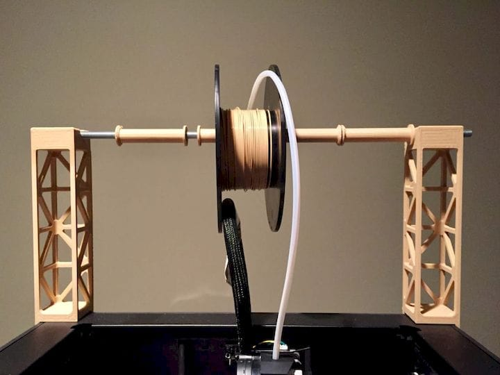 Handling differently-sized 3D printer filament spools [Source: Fabbaloo]