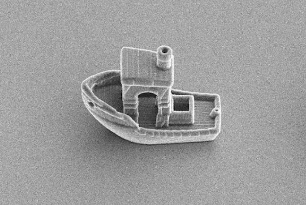 A Microswimmer Experiment Leads To A Tiny #3DBenchy
