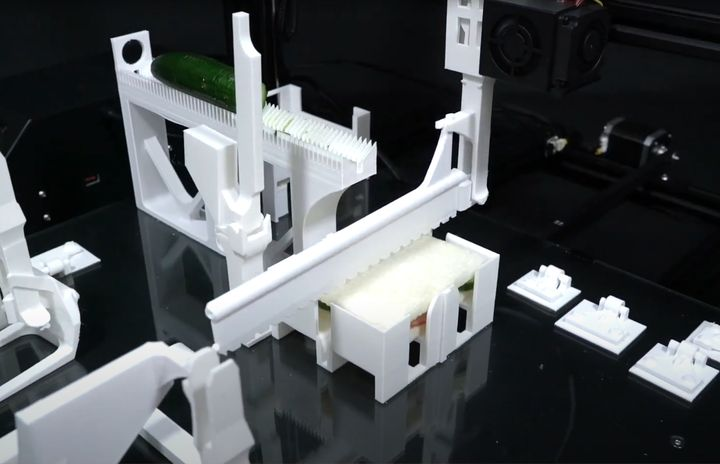 Functgraph: Adding Automation and Sandwiches To Any 3D Printer